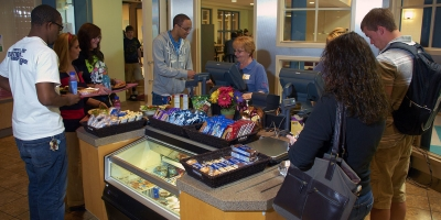 Students check out at the dining commons